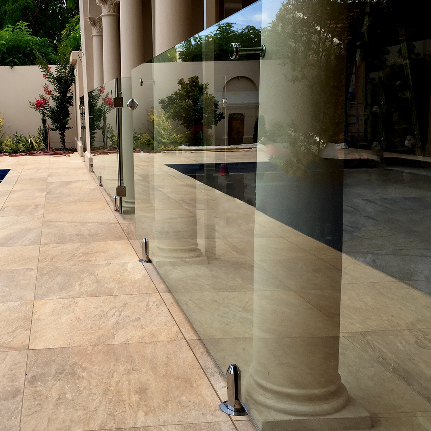 Home and commercial balustrades pool fences stairs balustrades stairs pool fencing for Swimming pool fencing regulations sa
