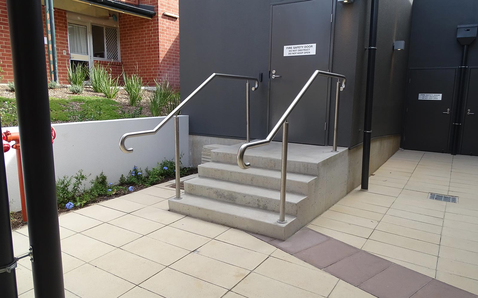 commercial-balustrades-37